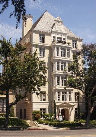 Savoy Plaza, The