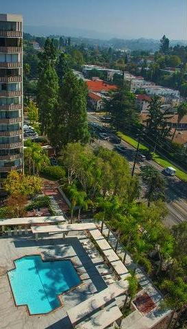 Los Feliz Towers
