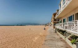 4403 Ocean Front Walk
