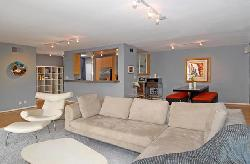 West Knoll Condominiums