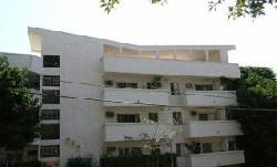 Larrabee Manor
