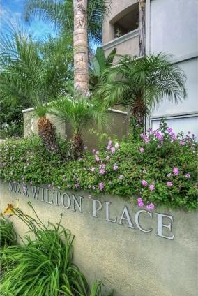 Wilton Plaza