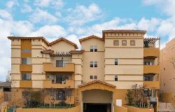 Larchmont Villa