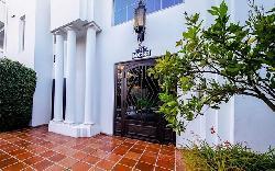 Tavira House