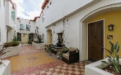Colfax Villas
