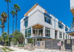 Hollywood Colony II