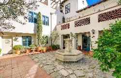 Granada Court