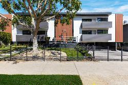 Gramercy Hollywood Apartments