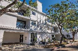 StayTony Beverly Hills