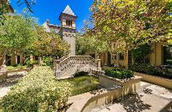 Venezia Village
