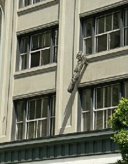 Tomahawk Building, The