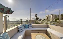 Lux Santa Monica