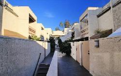 960 N San Vicente
