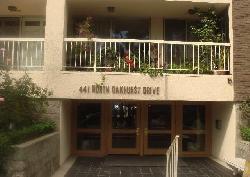 441 N Oakhurst