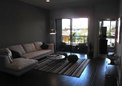 4211 Redwood