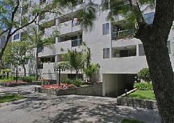 Oakhurst Condominiums